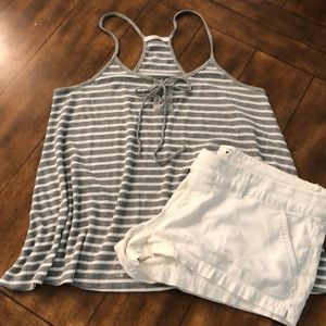 🖤💖Acemi grey and white striped flowy tank💖